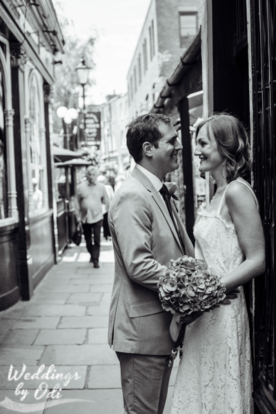 Wedding photographer Camden passage